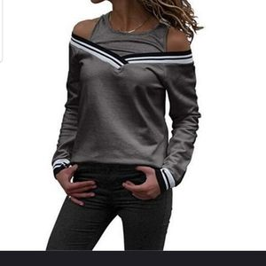 Sweaters - Super cute sweater with built in grey tank